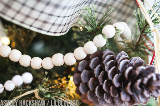 wood bead garland Christmas Tree